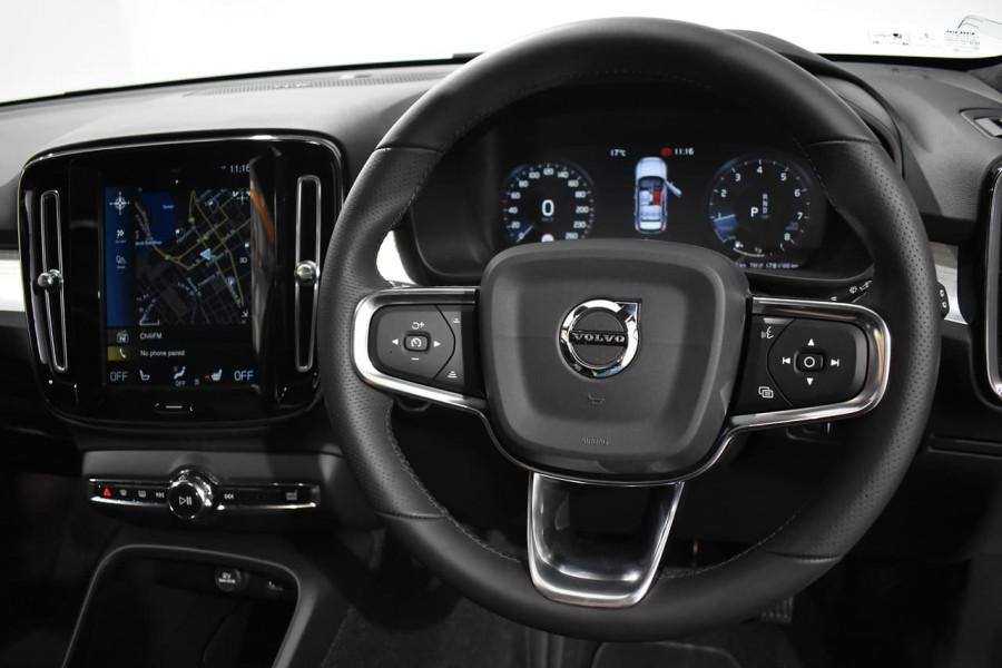 2019 Volvo Xc40 (No Series) MY19 T4 Momentum Suv Mobile Image 5