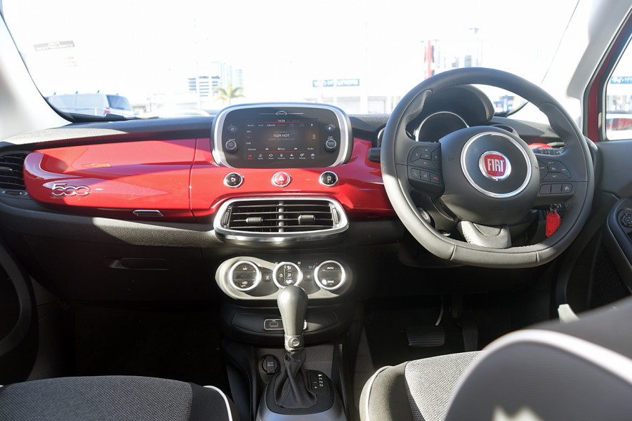 2018 Fiat 500X 334 Pop Hatchback Mobile Image 11