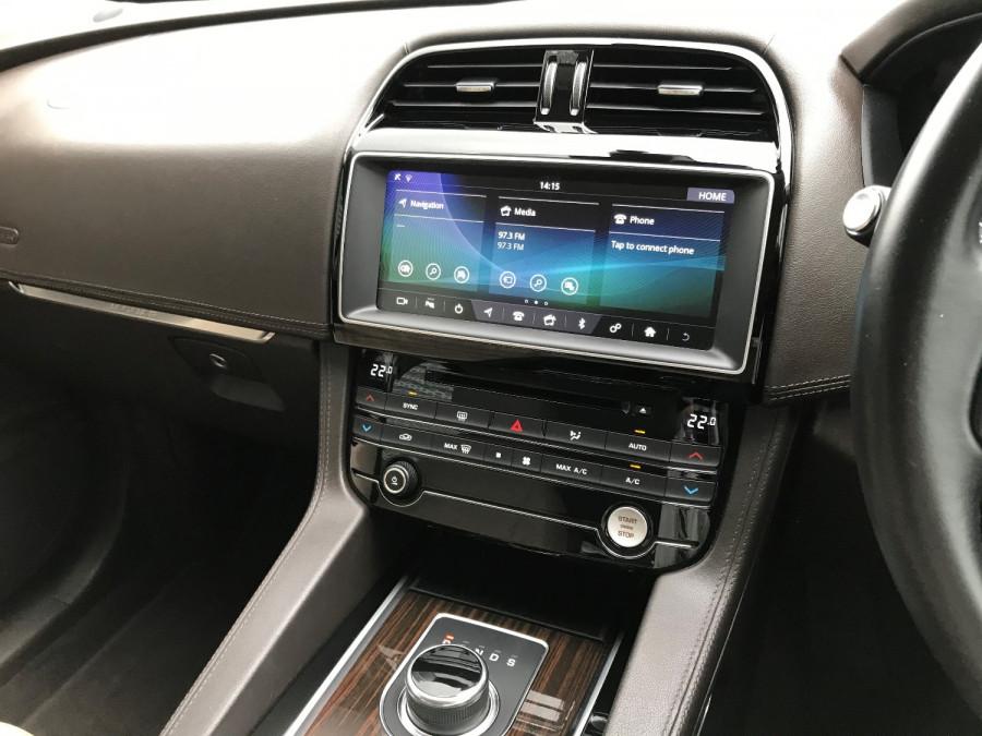 2016 MY17 Jaguar F-pace X761 MY17 35t Suv Image 11