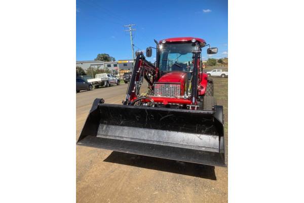 2019 Case IH FARMALL 60B Tractor crawler Image 3