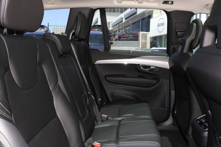 2020 Volvo XC90 L Series D5 Momentum Suv Image 8