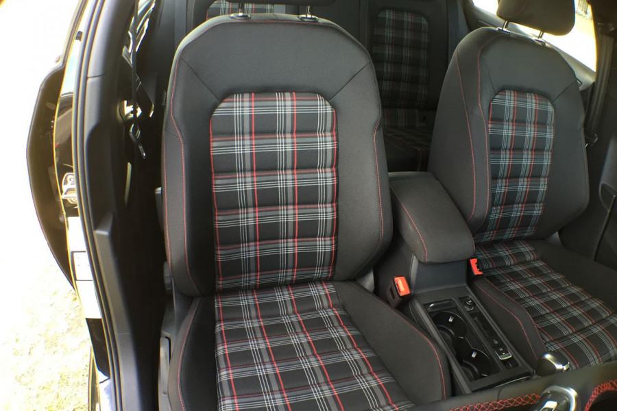 2019 Volkswagen Golf 7.5 GTi Hatchback Image 6