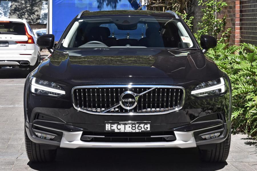 2019 Volvo V90 Cross Country D5 Wagon Mobile Image 6
