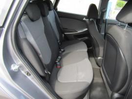 2015 Hyundai Accent 1.6L 4A Hatchback
