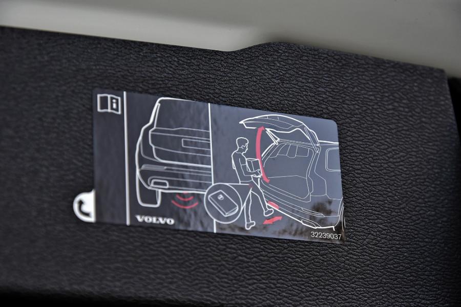 2020 Volvo V60 T5 R-Design T5 R-Design Wagon Mobile Image 20