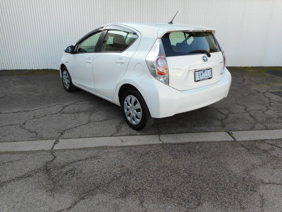 2013 MY12 Toyota Prius Image 8
