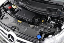 2018 Mercedes-Benz V Class Van Image 2