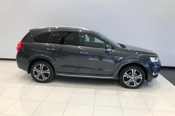 2018 Holden Captiva CG LTZ Awd wagon Image 2