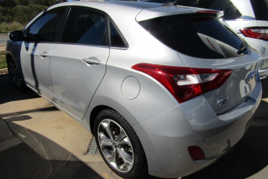 2013 MY14 Hyundai i30 GD2 Premium Hatchback Image 4