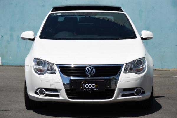2007 Volkswagen Eos 1F TDI Convertible Image 2