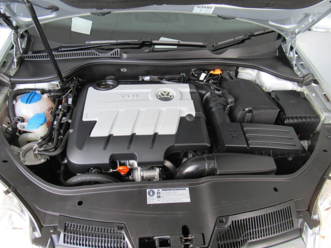 2010 Volkswagen Jetta 1KM MY10 103TDI Sedan Image 25