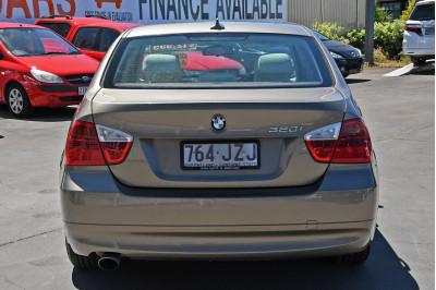 2007 BMW 3 Series E90 320i Sedan Image 4