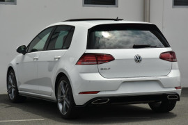2019 MY20 Volkswagen Golf 7.5 110TSI Highline Hatchback Image 3