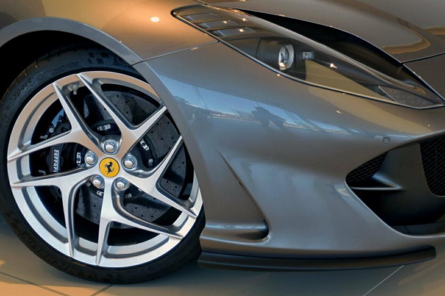 2017 Ferrari 812 Superfast F152M F152M Coupe Mobile Image 9
