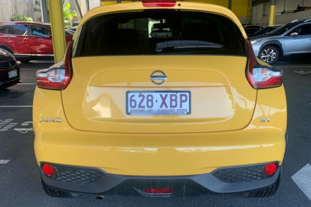 2016 Nissan JUKE Hatchback Image 4
