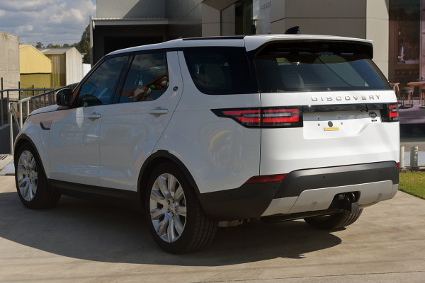 2019 Land Rover Discovery Series 5 HSE Luxury Suv Image 4