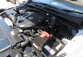 2015 Nissan Navara NP300DP4MA1ST ST Utility crew cab