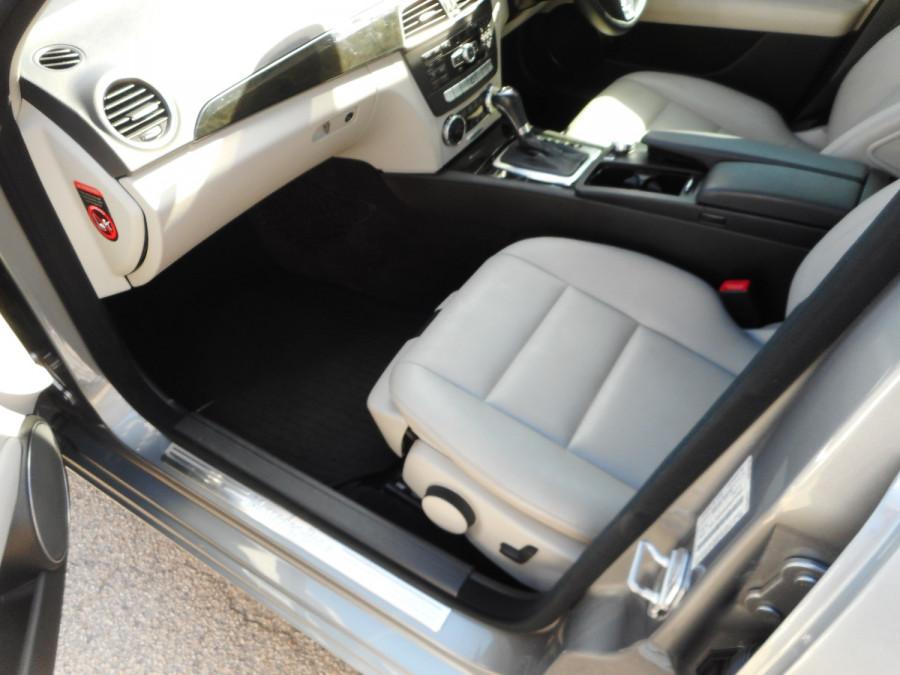 2014 Mercedes-Benz C-class W204  C250 CDI Avantgarde Sedan Image 12