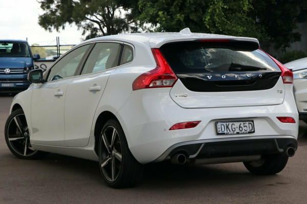 2016 Volvo V40 M Series T5 R-Design Hatchback