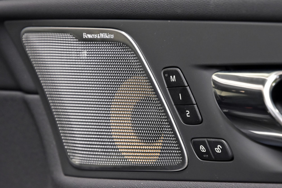 2020 Volvo XC60 UZ T6 R-Design Suv Mobile Image 21