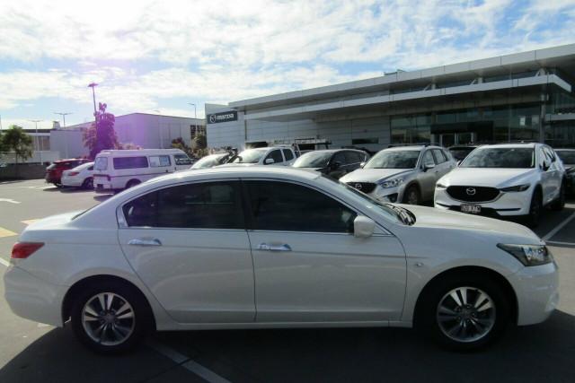 2011 Honda Accord 8th Gen VTi Sedan Image 5
