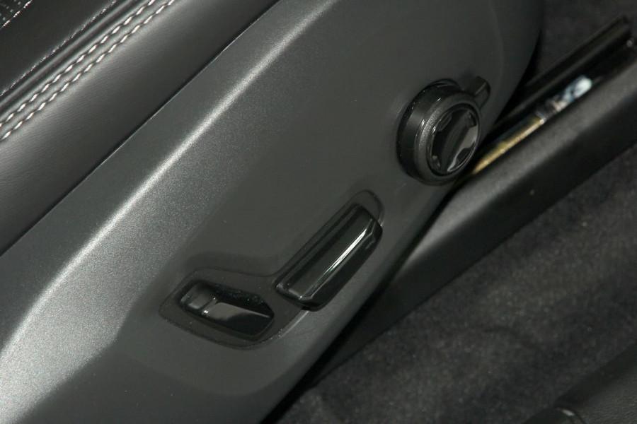 2018 MY19 Volvo XC60 UZ D4 Inscription Suv Mobile Image 10