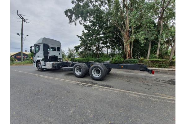 2019 Iveco X-way 6x4 Truck Image 4