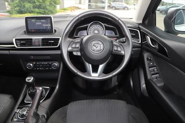 2015 Mazda 3 BM Series SP25 Hatchback image 12