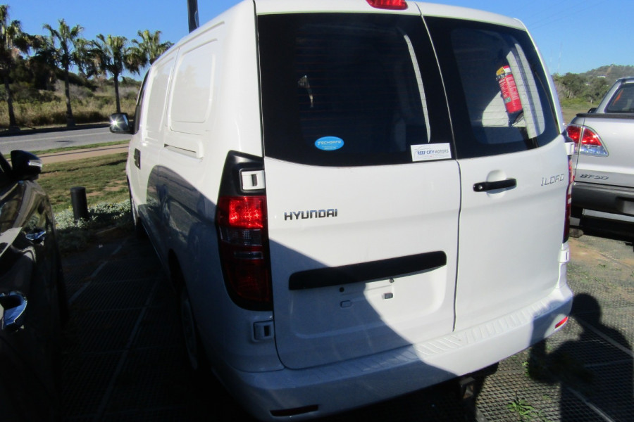2013 MY14 Hyundai Iload TQ2-V MY14 Van Image 6
