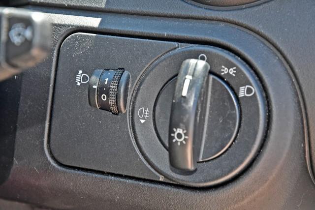 2005 Ford Fiesta WP LX Hatchback Image 12