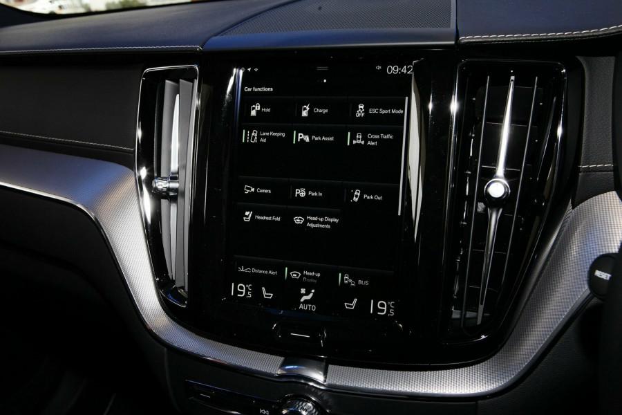 2018 MY19 Volvo XC60 UZ T8 R-Design Wagon