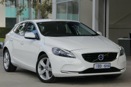 Volvo V40 LUXURY