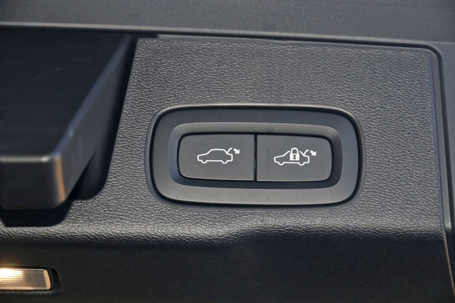 2019 Volvo XC60 UZ D4 Inscription Suv Image 19