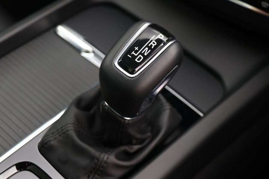 2020 Volvo XC60 UZ T5 Momentum Suv Mobile Image 16