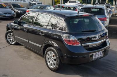 2008 Holden Astra AH MY08 CD Hatchback Image 3