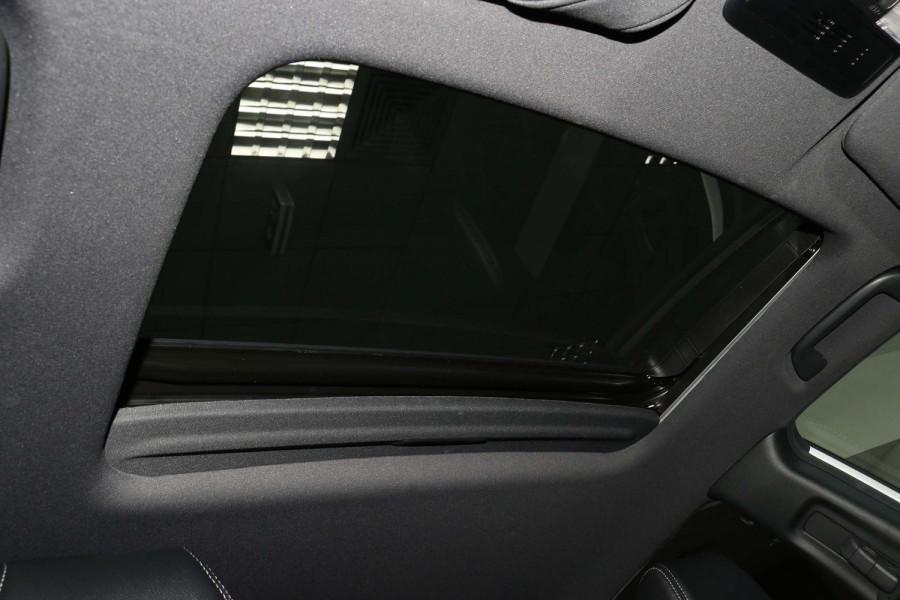 2017 Honda Civic 10th Gen  VTi Hatch Image 14