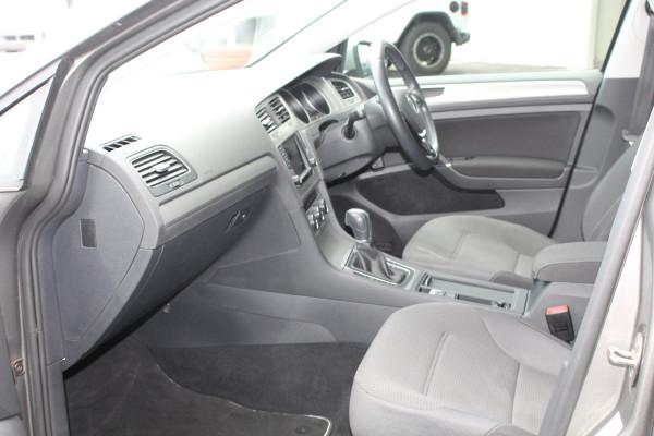 2015 MY16 Volkswagen Golf 7 92TSI Hatchback Image 3