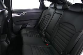 2019 Kia Cerato Hatch BD GT Hatchback Image 4