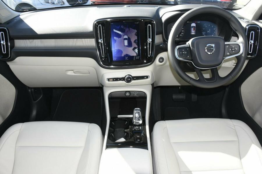 2019 Volvo XC40 T4 Inscription Suv Mobile Image 6