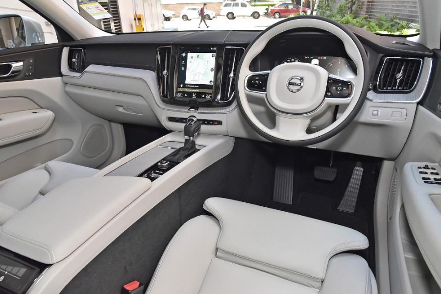 2019 Volvo XC60 UZ D4 Inscription Suv Mobile Image 8