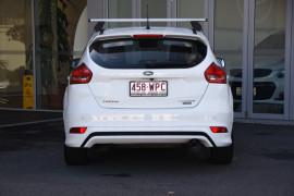 2016 Ford Focus LZ Titanium Hatchback Image 4