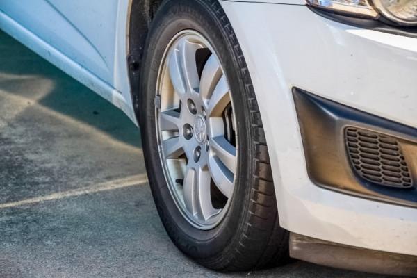 2012 Holden Barina TM MY13 CD Hatchback Image 5