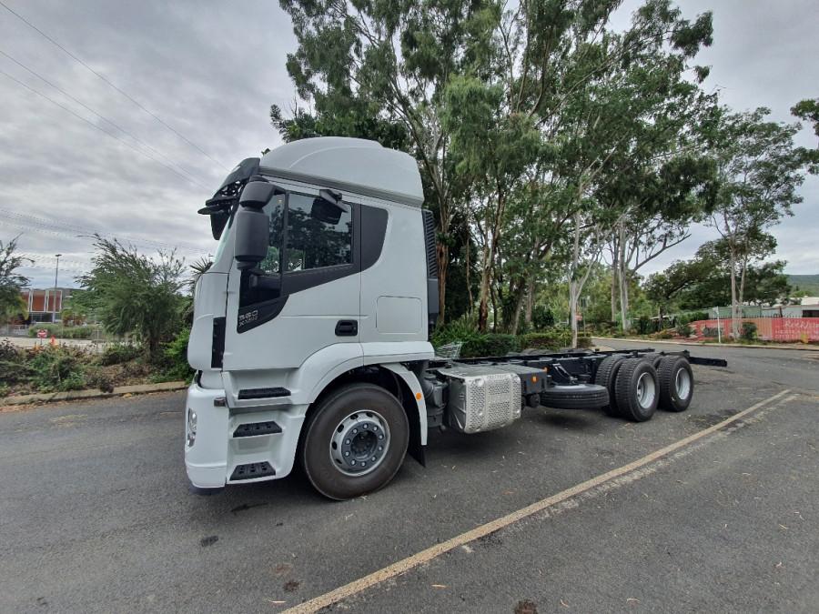 2019 Iveco X-way 6x4 Truck Image 3