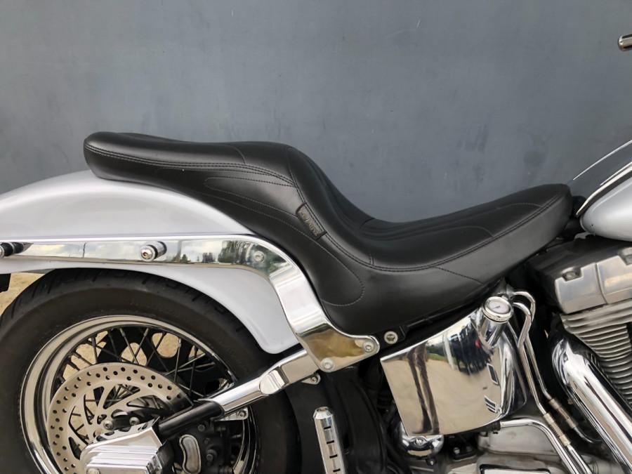 2002 Harley Davidson Softail FXST Standard Motorcycle Image 9