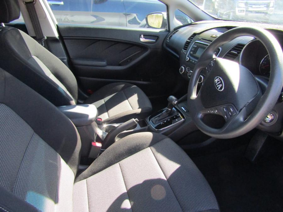 2017 Kia Cerato YD MY17 S Hatchback Image 12