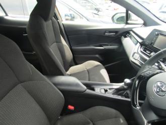 2018 MY17 Toyota C-HR NGX10R 2WD Suv Image 5