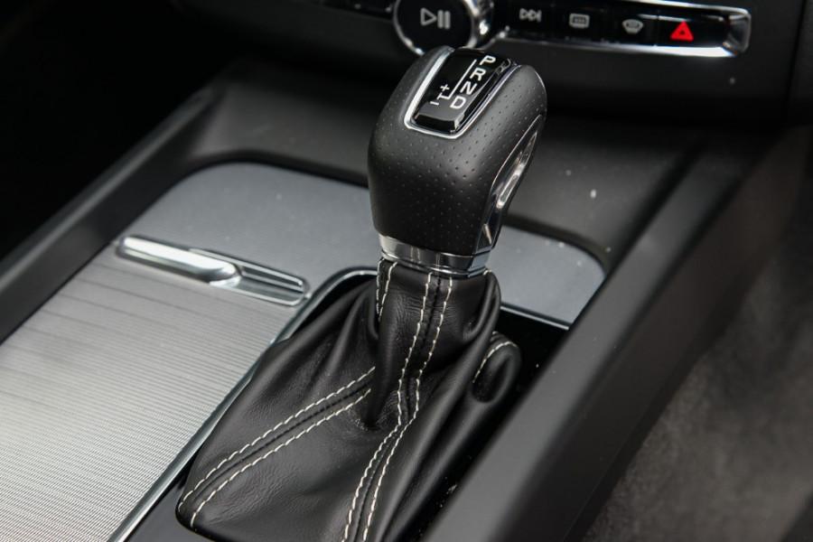 2018 MY19 Volvo XC60 UZ T6 R-Design Suv Mobile Image 12