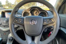 2014 Holden Cruze JH SERIES II MY14 EQUIPE Hatchback Image 3