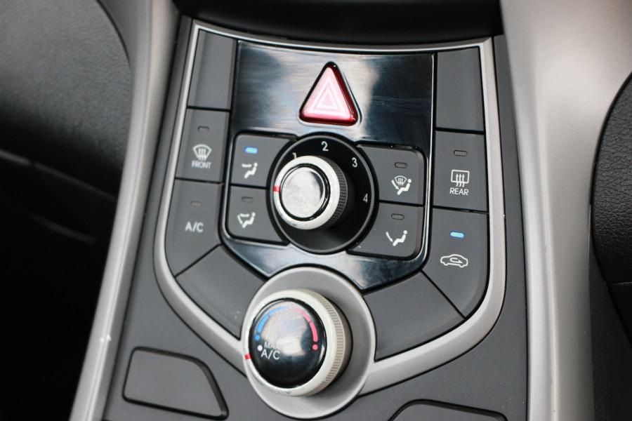 2015 Hyundai Elantra MD3 Active Sedan Image 16