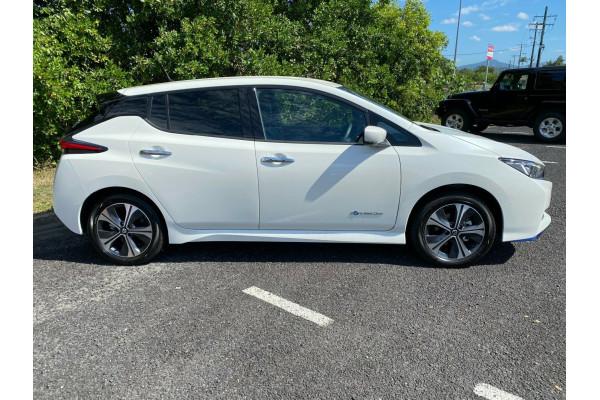 2021 Nissan LEAF ZE1 E Plus Hatchback Image 5